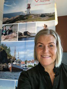 Elisabeth happy etter gode møter med turoperatører fra hele verden.